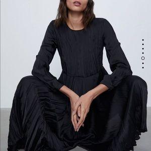Zara   Wrinkle Look Dress Black Size Large